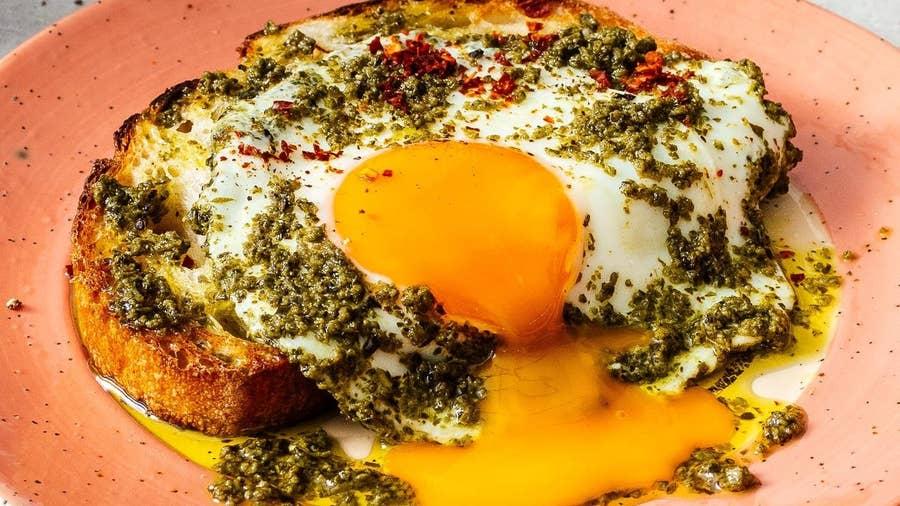 Make Pesto Eggs