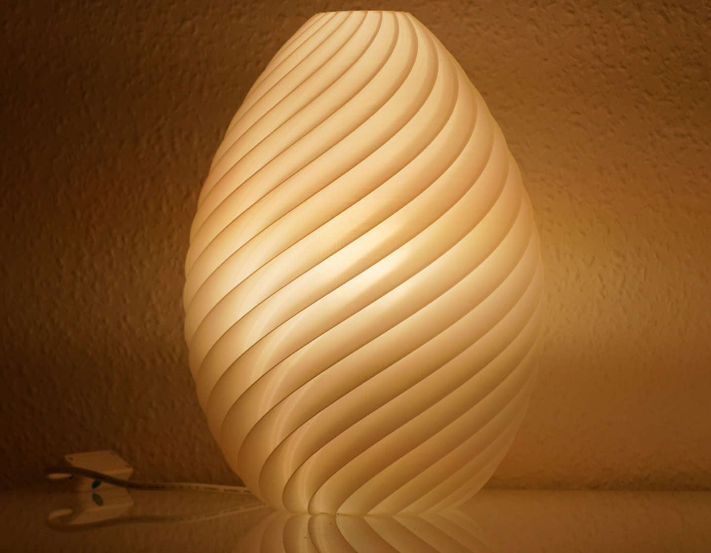 3D printed table lamp philips hue