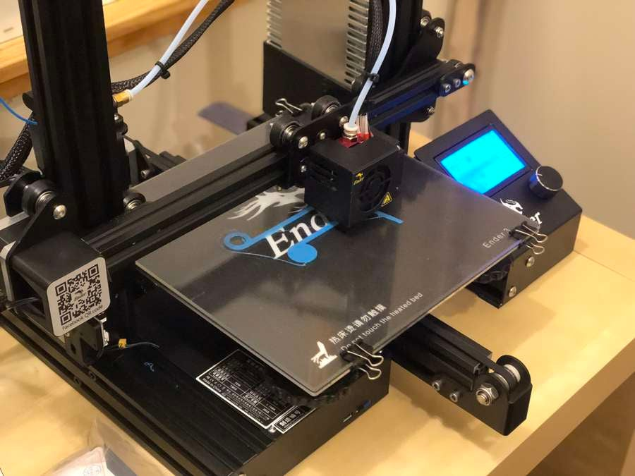 Showing print adhesion on glass bed