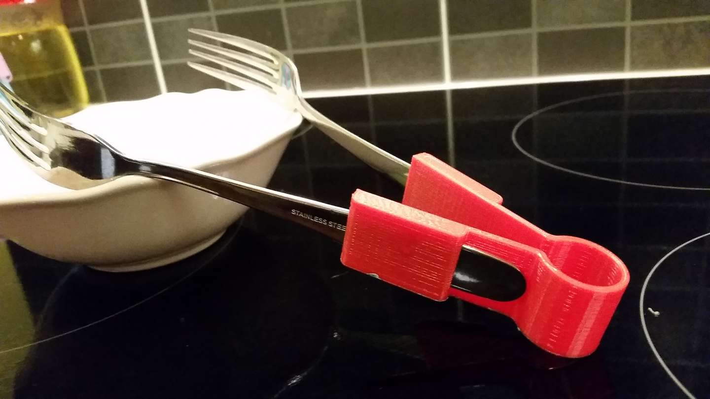 3D-printed salad fork tongs