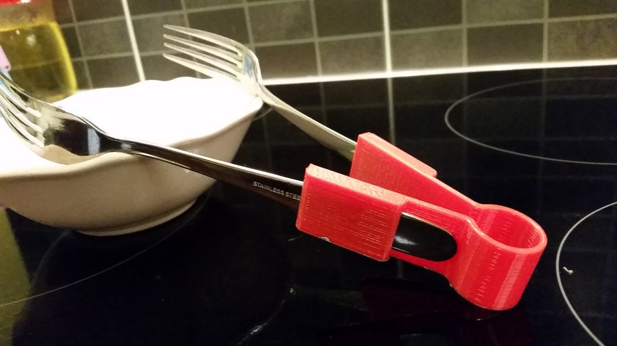 3D-printed salad fork tongs