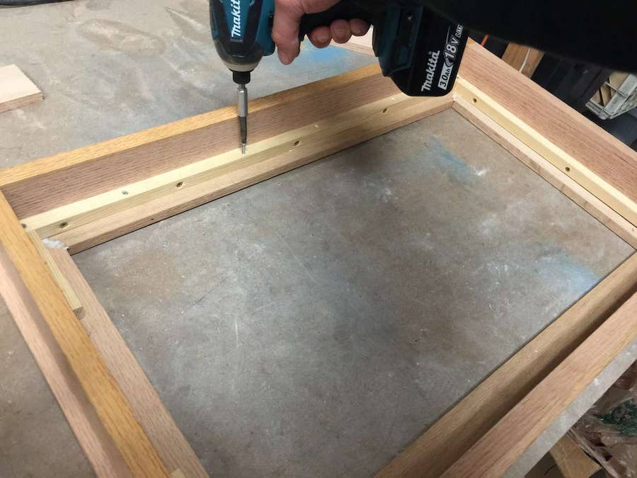 Attaching the frame to the box