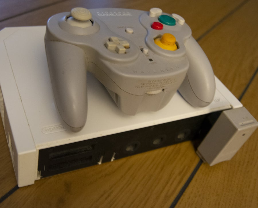 Connect GameCube controller to Wii