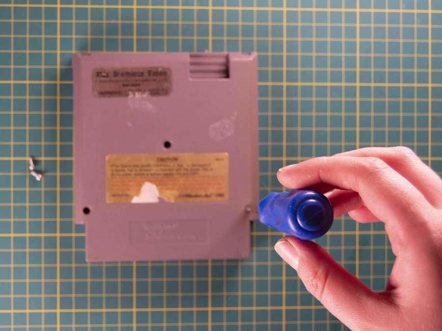 NES cartridge assembly