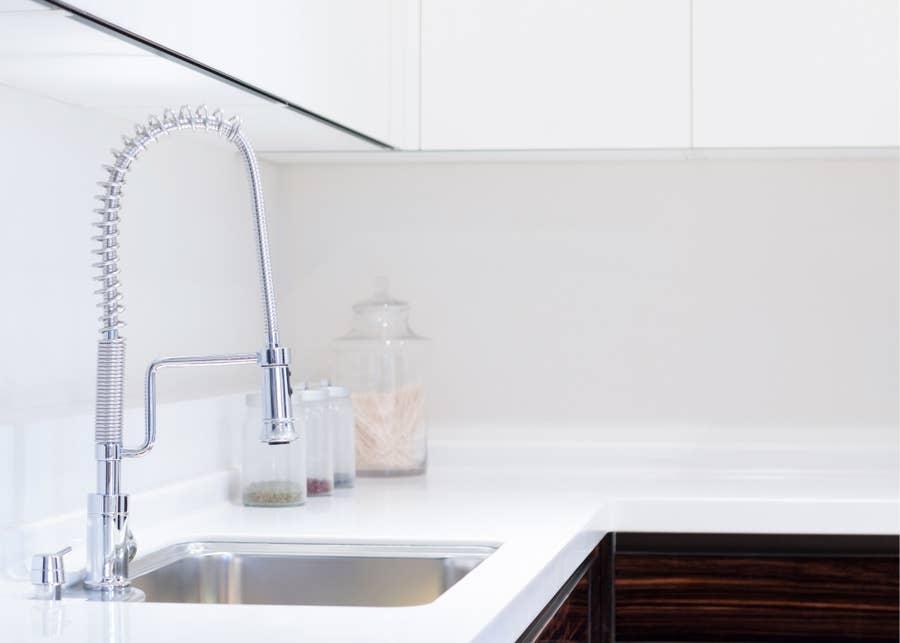 Single-bowl sink.
