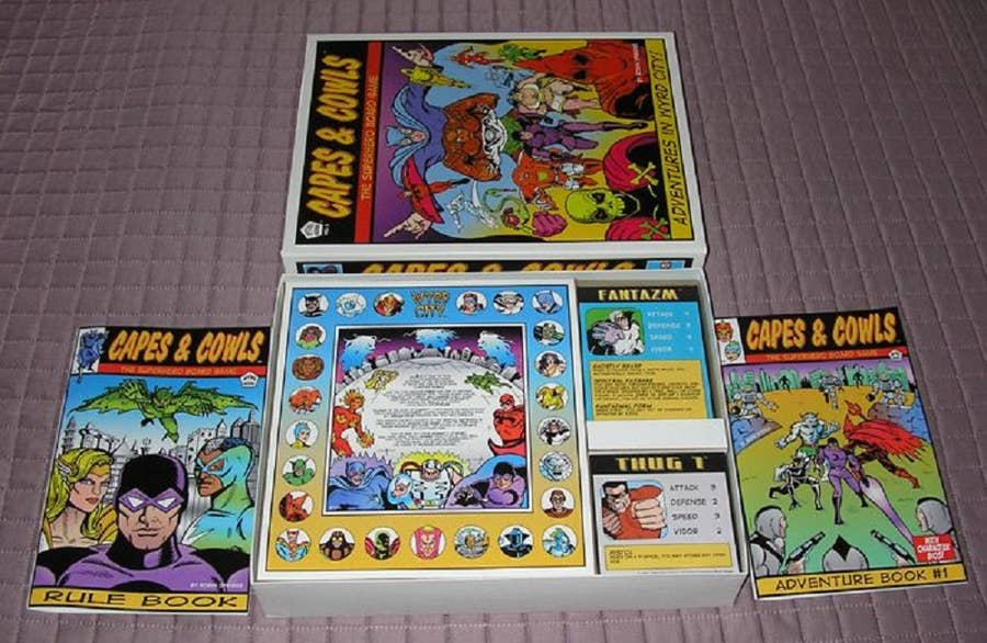 Capes & Cowls: The Superhero Board Game (2006)