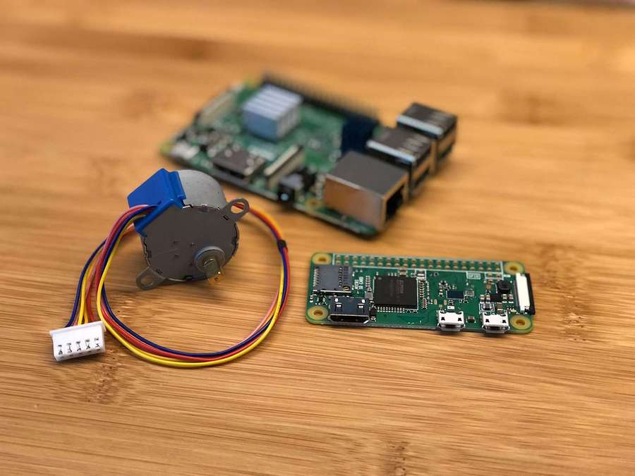 A Raspberry Pi with a DC motor