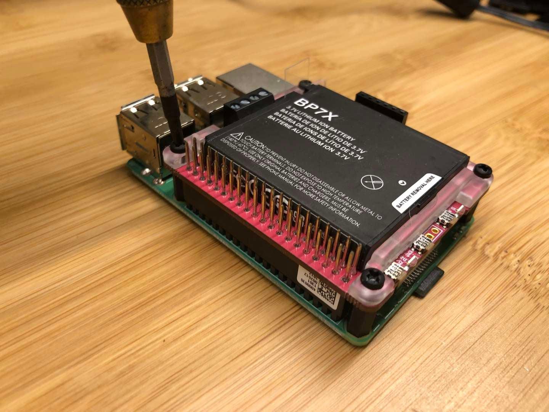 How to build a Raspberry Pi UPS (uninterruptible power supply) - howchoo