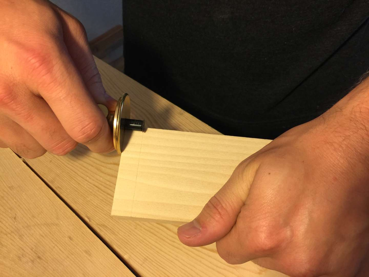 Mark all the way around the tail board with the marking gauge