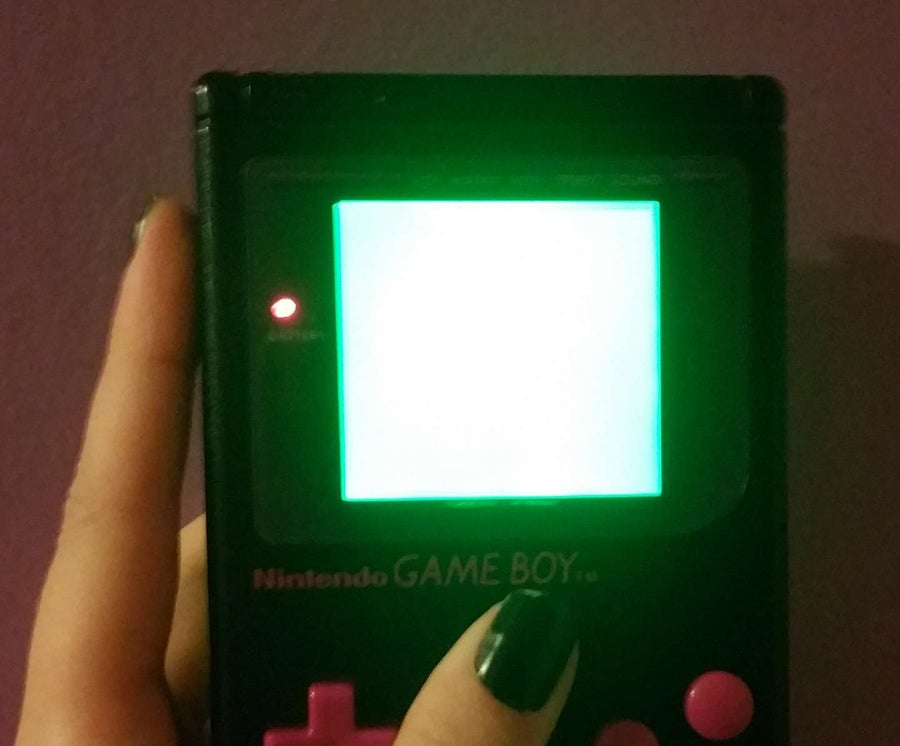 Game Boy screen is hard to see or blurry