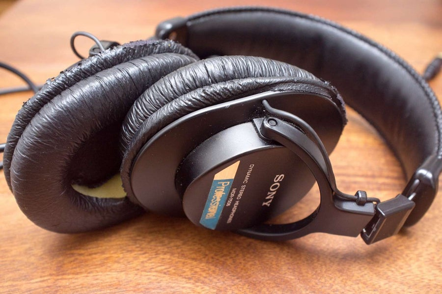 How to Change the Earpads on Your Sony MDR-7506 or MDR-V6 Headphones