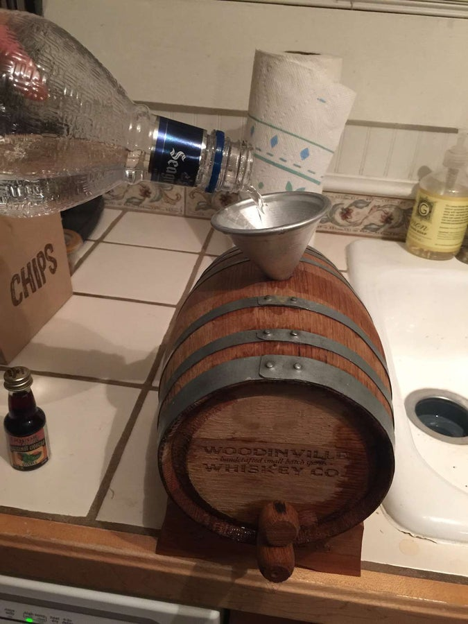 Filling empty cask with liquor