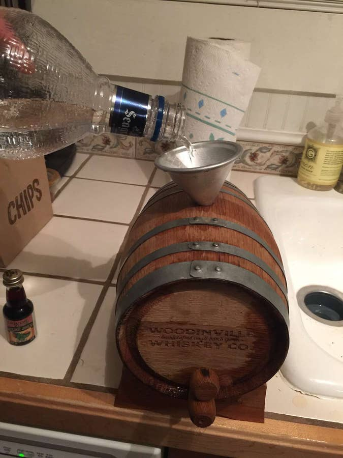Filling empty cask with liquor