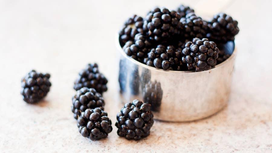 Measured blackberries