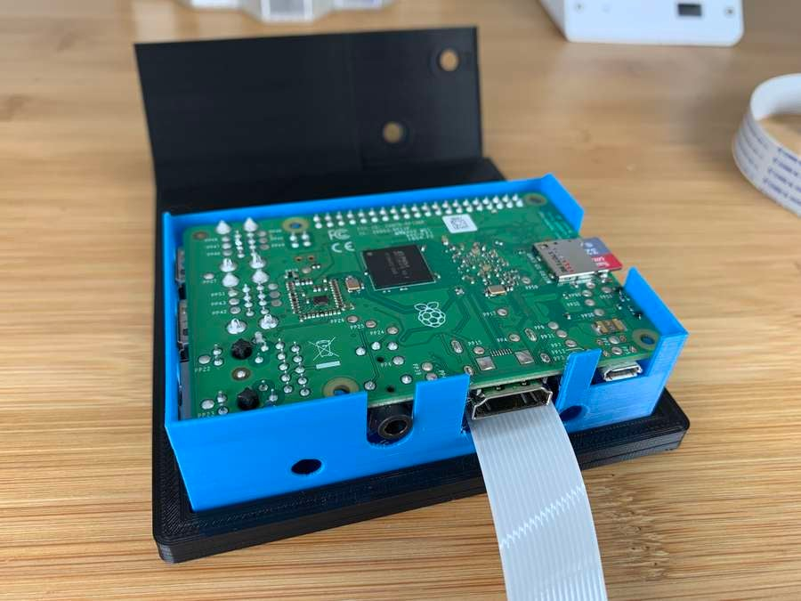 Connecting the Pi to the case