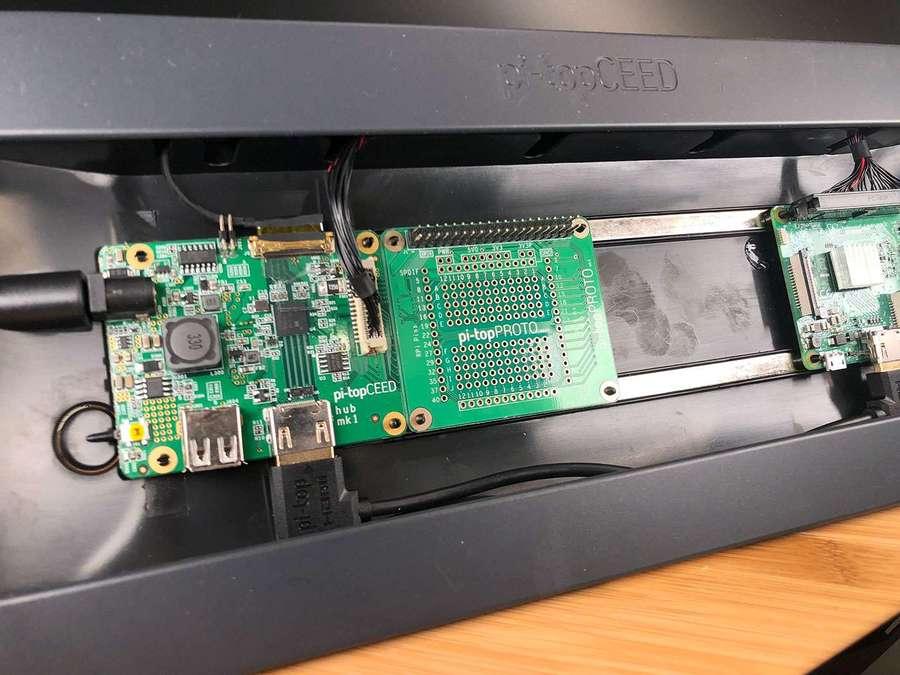 Installing the pi-top PROTO board