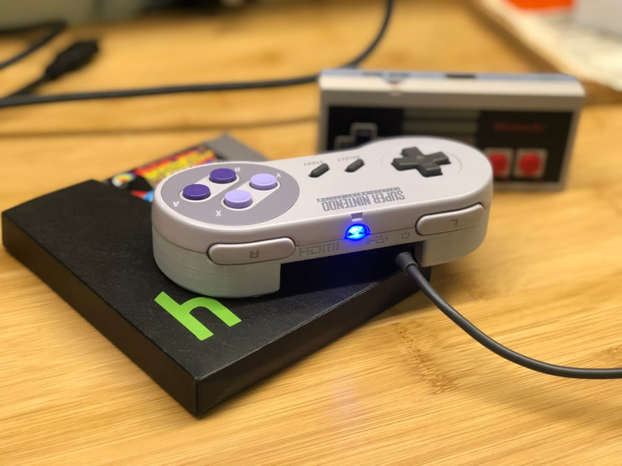 A Raspberry Pi in a Super Nintendo controller
