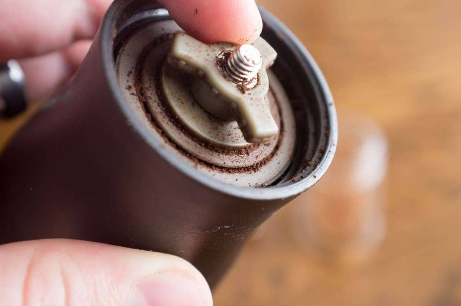 hario mini mill adjustment screw