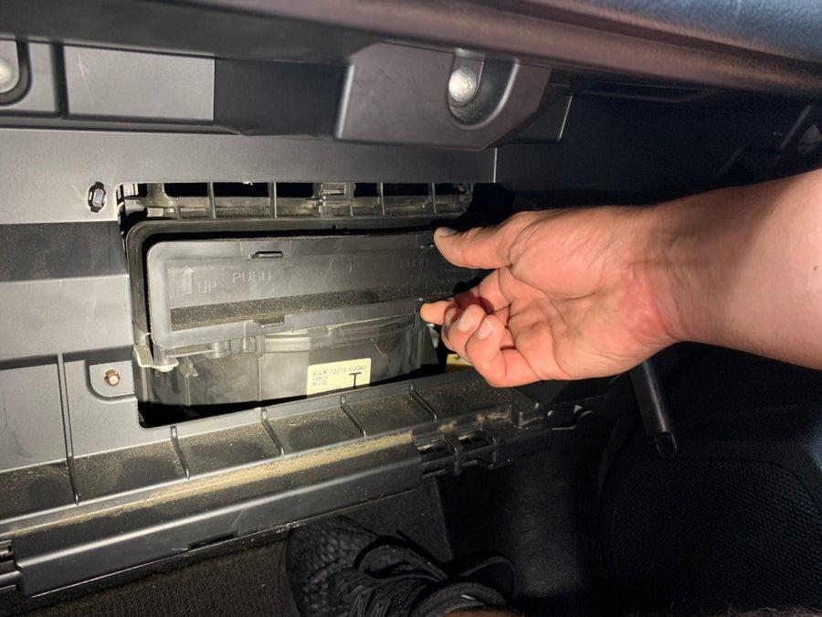 Removing the Crosstrek air filter