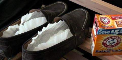 baking soda in stinky shoes