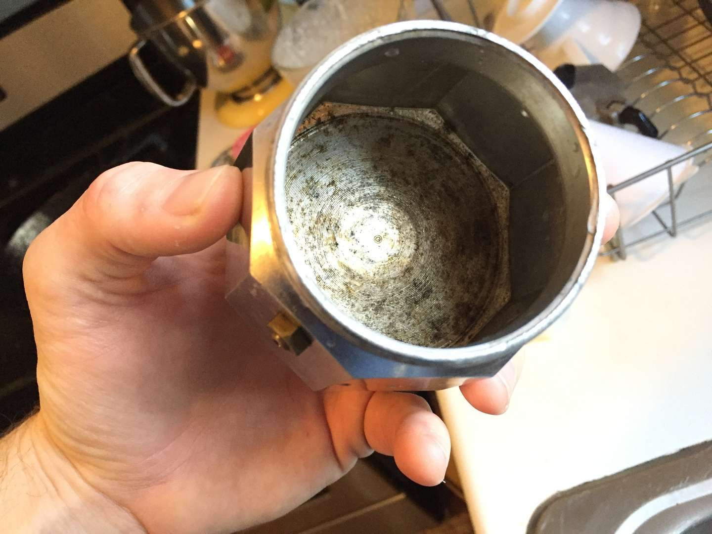 How to deep clean your moka pot