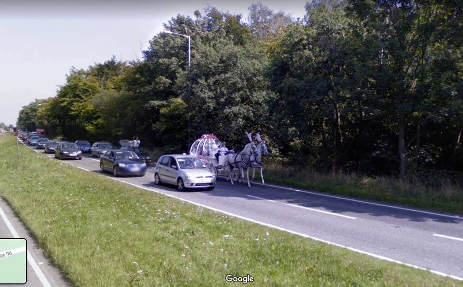 horse-drawn carriage london google street view