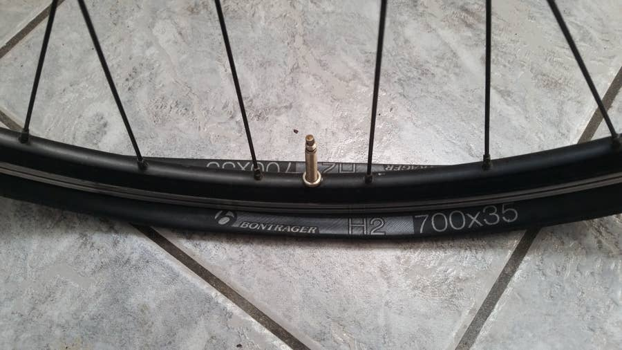 How to fix a flat bicycle tire