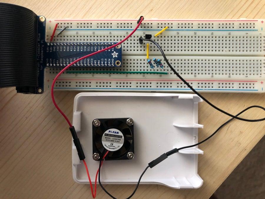 Raspberry Pi fan controller test circuit on the breadboard.