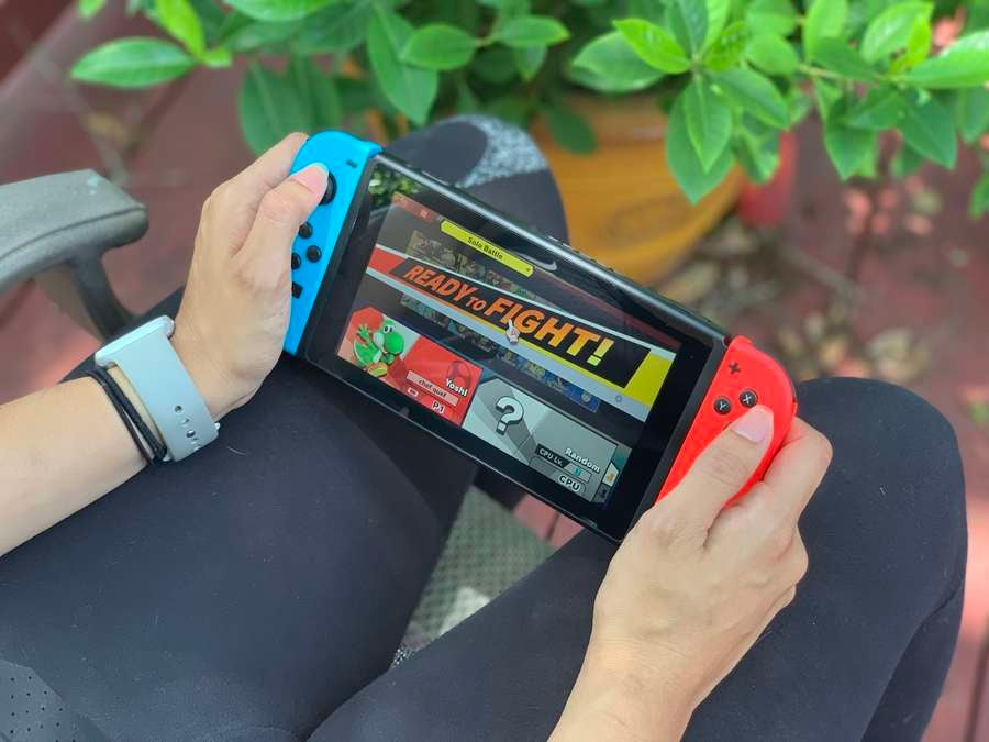 Playing Nintendo switch on the go
