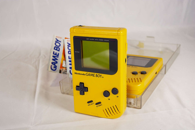 Yellow Play It Loud Game Boy
