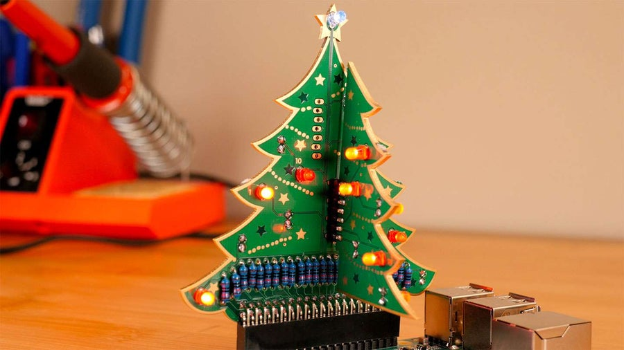 Exploring the Raspberry Pi 3D Xmas Tree Kit from The Pi Hut