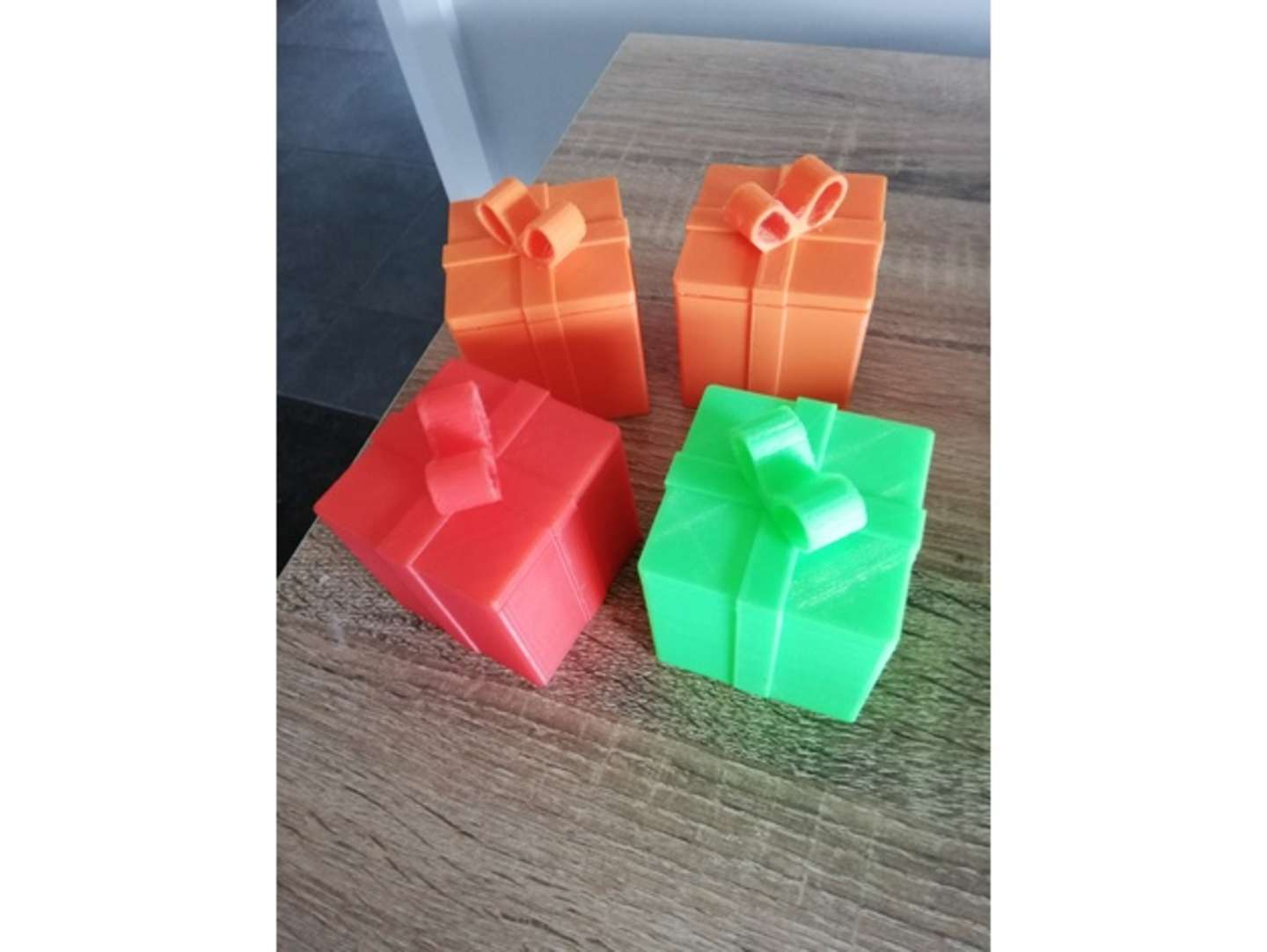 Working Gift Box