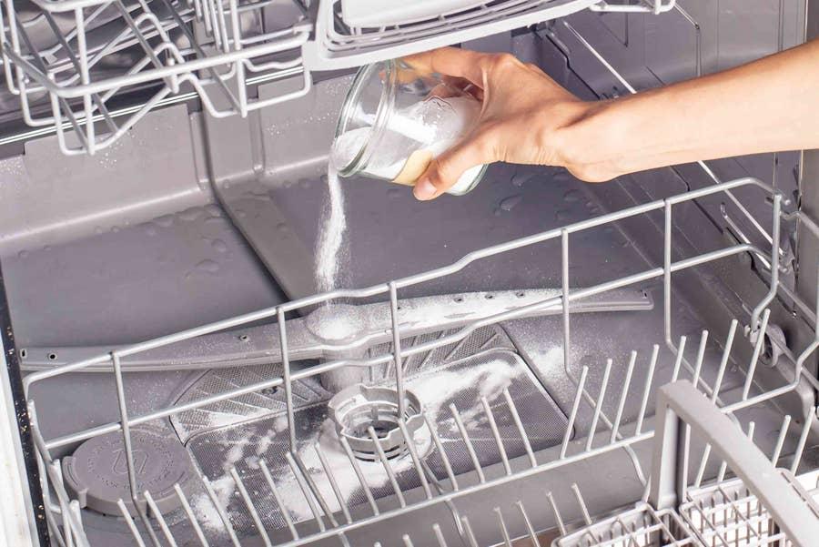 Baking soda in dishwasher to clean