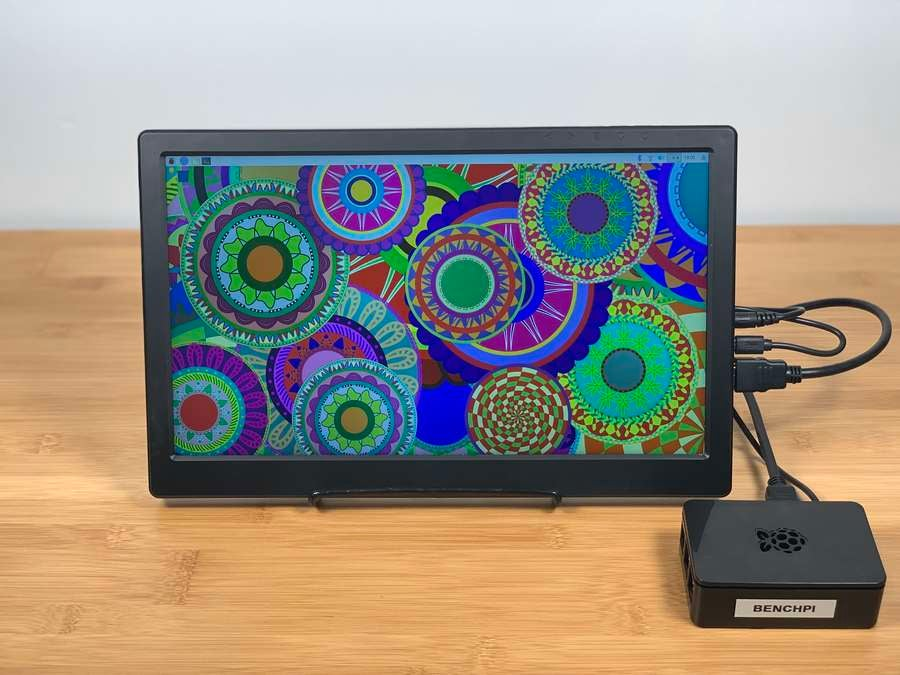 SunFounder 13.3-inch connected to Pi with screen color demo