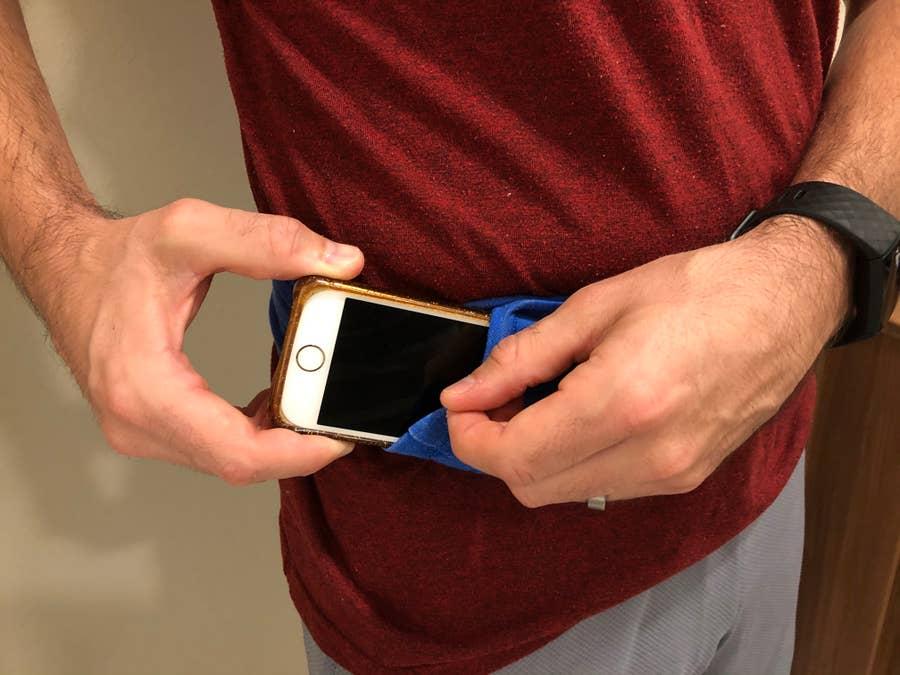 phone in no-sew running belt
