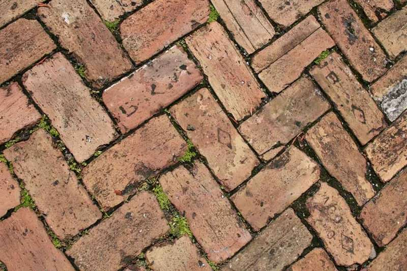 How to get rid of weeds between pavers