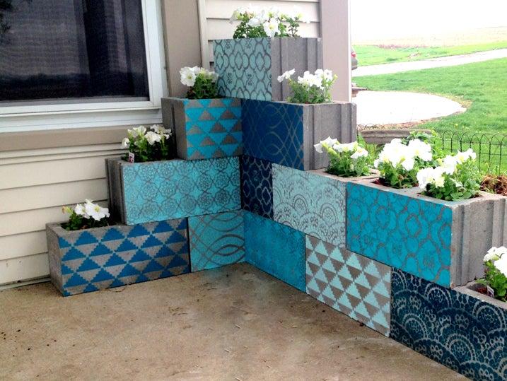 DIY cinder block corner planters